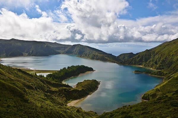 Lagoa-do-Fogo-Portugal