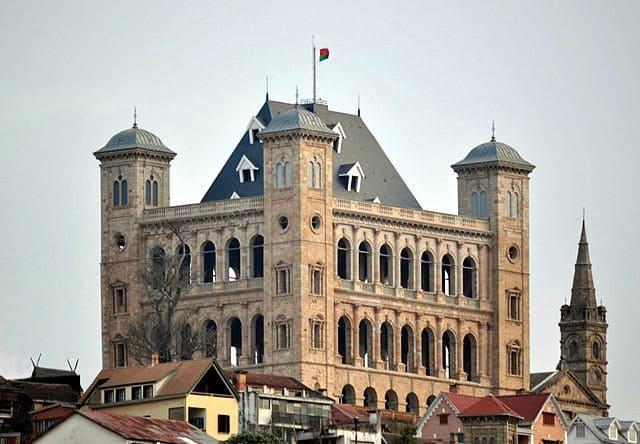 Le-Palais-de-la-Reine-a-Manjakamiadana
